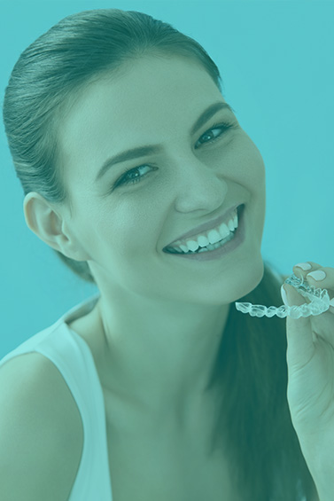 Moss Family Dentistry can fix crooked teeth using Invisalign